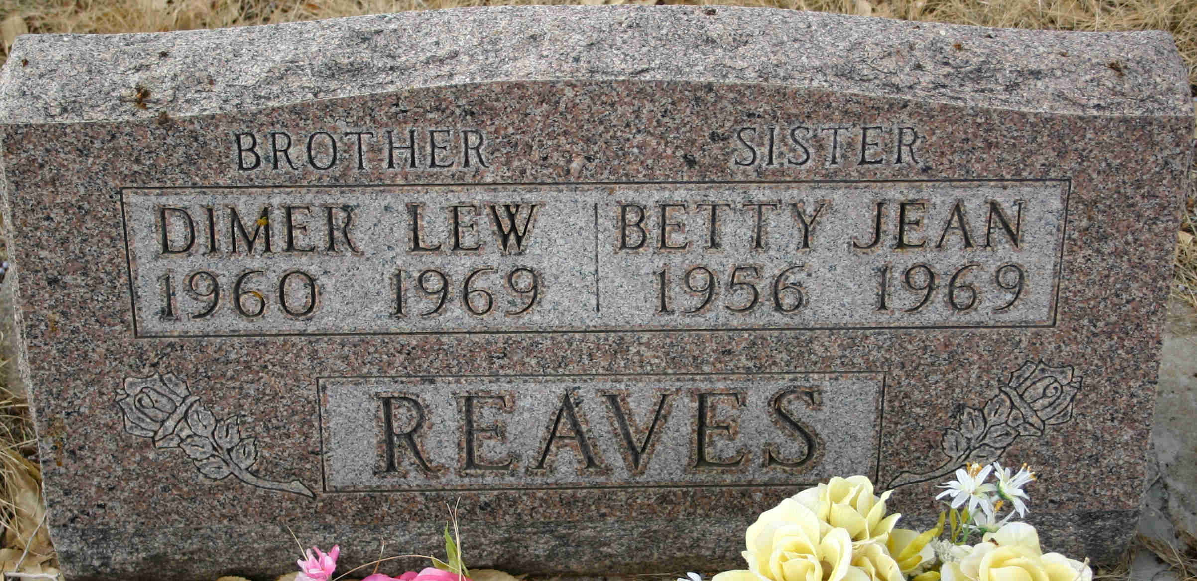 Dimer Lew Reaves and Betty Jean Reaves Headstone